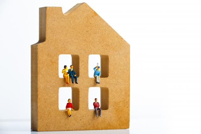 住宅と人々のミニチュア